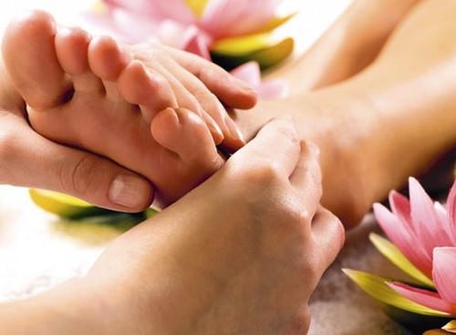 Лечение без таблеток: массаж стопы